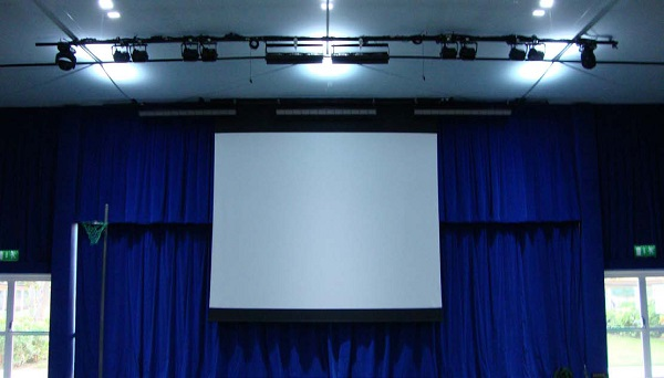 J&C Joel improved the usability of Jumeriah English Speaking School, Dubai's, main hall by undertaking a complete installation of perimeter curtains and tracking.
